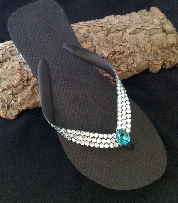 Clique, acesse e confira: www.saopaulostrass.com.br Strass de qualidade, para sua criatividade!