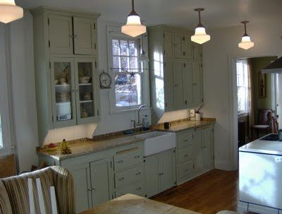 Aye Que Linda: 1920's Kitchen I like how the cabinets frame the sink ...