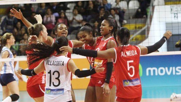 Selección Peruana de Vóley venció 3-0 a Cuba por la Copa Latina