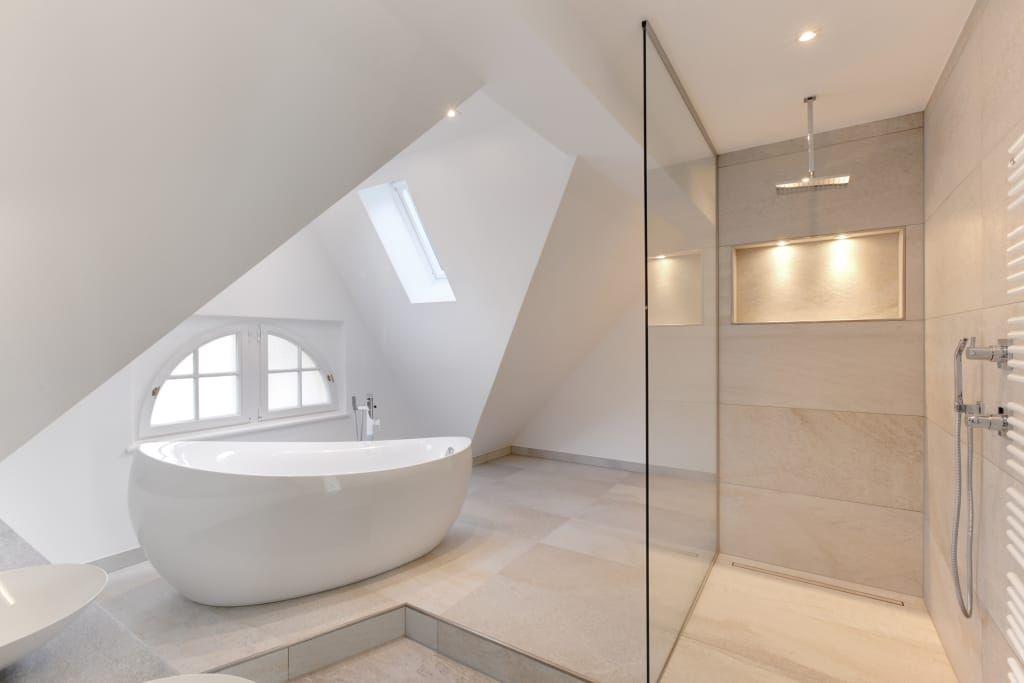 Finde Moderne Badezimmer Designs: Haus Kaiser. Entdecke Die Schönsten  Bilder Zur Inspiration Für Die Gestaltung Deines Traumhauses.