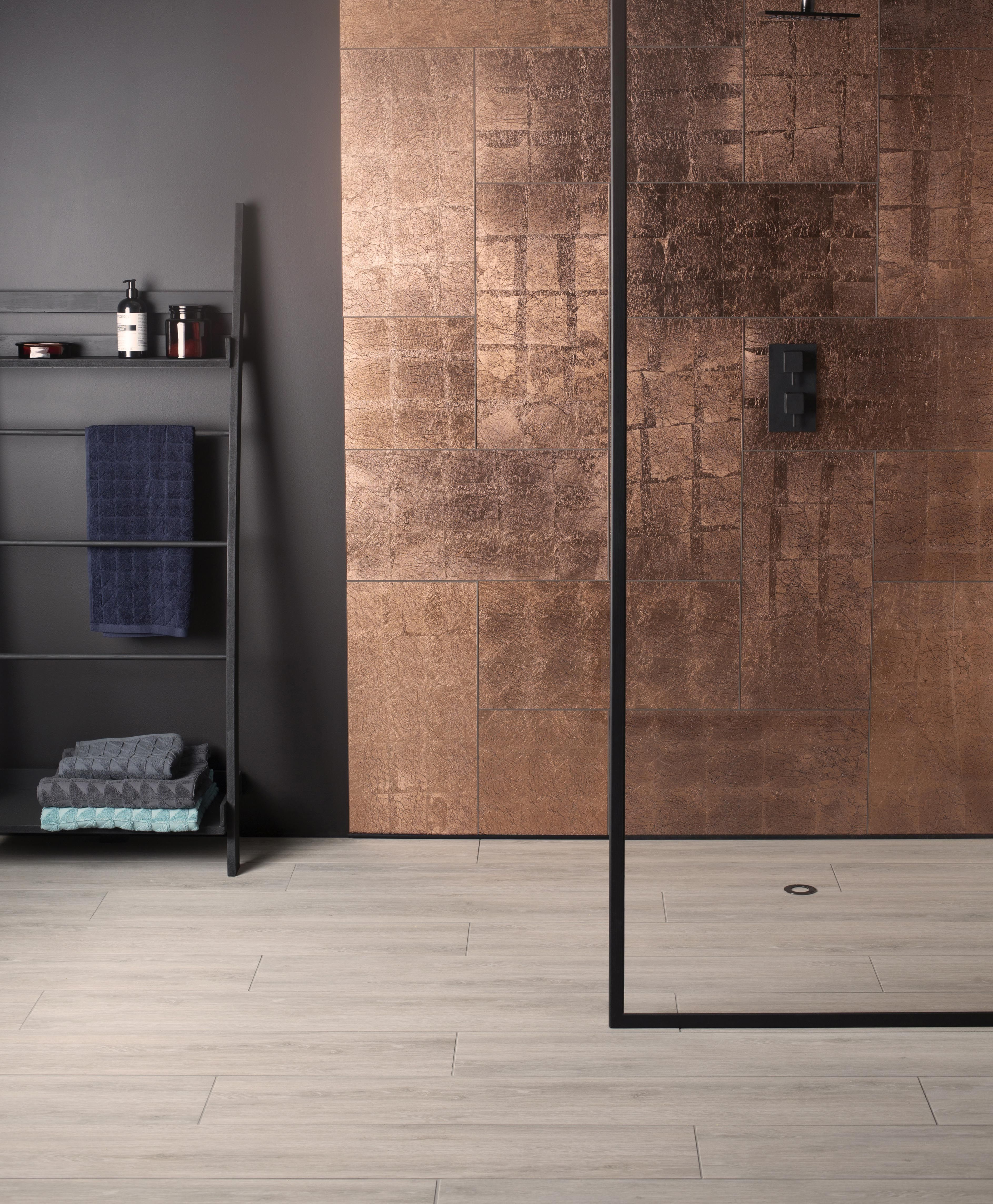Glassworks Wall Tiles Are Suitable For Kitchens Bathrooms And Living Dining Areas Available In A Whole Spect Metallic Wall Tiles Copper Splashback Glass Tile
