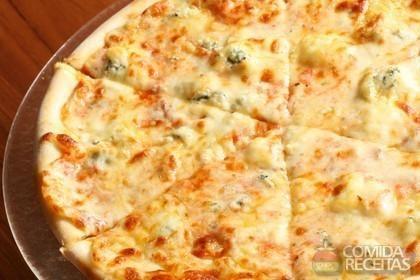Receita de Pizza fugazzeta em receitas de salgados, veja essa e outras receitas aqui!