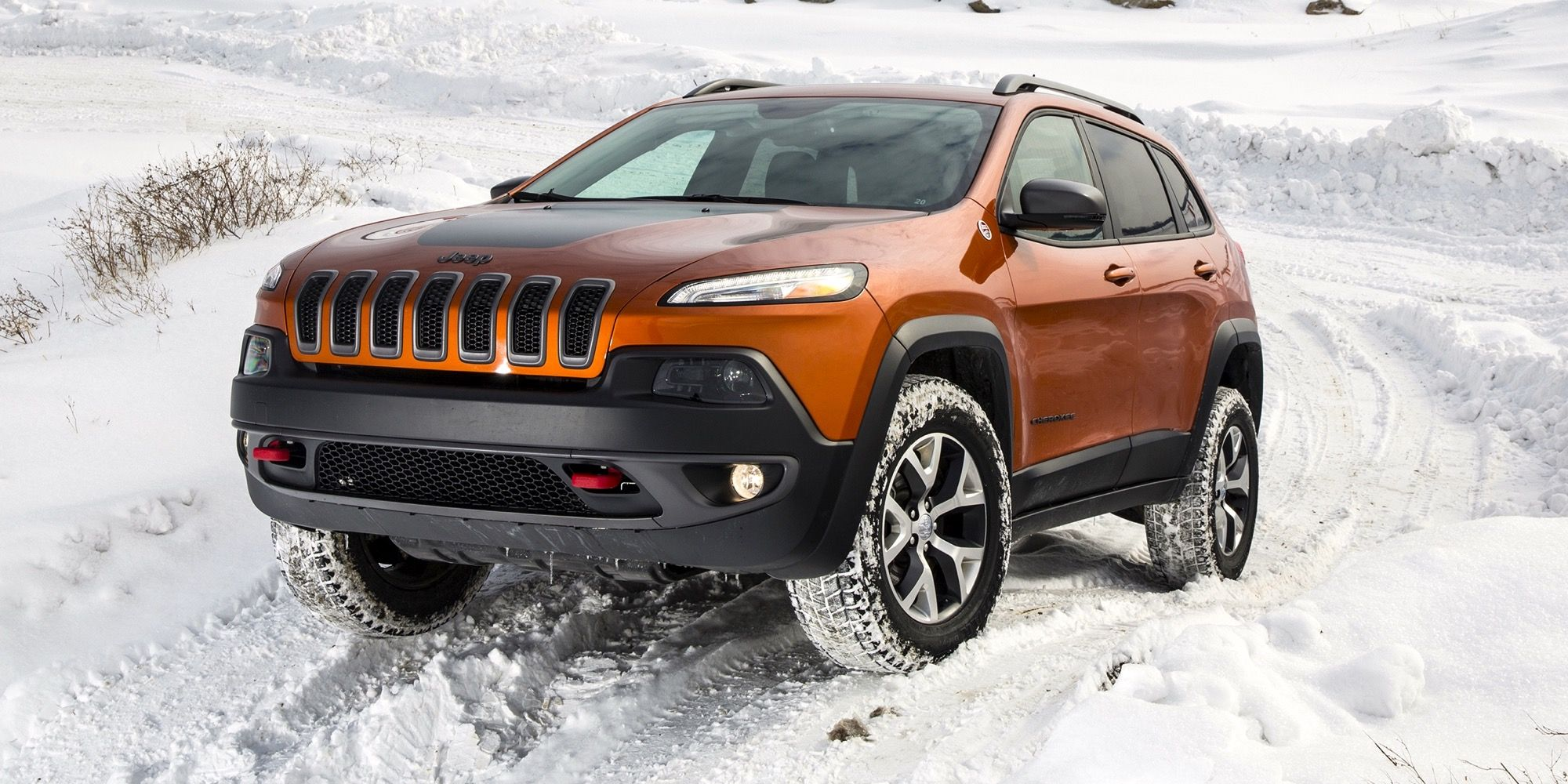 Off Road In The Snow With Jeep Jeep Cherokee Jeep Trailhawk Jeep Cherokee Trailhawk
