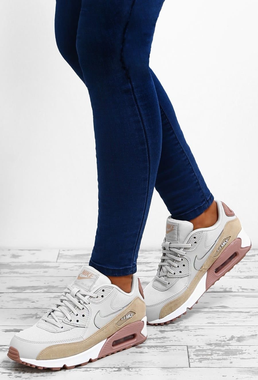 Nike Air Max 90 White Multi Trainers | Sapatos, Tenis e Saltos