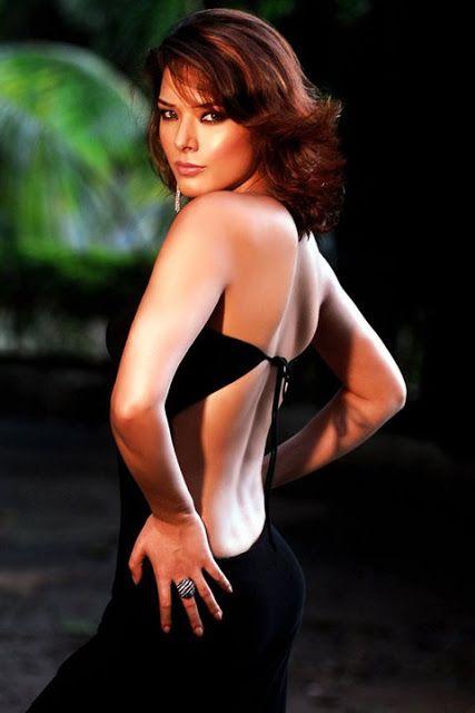 udita goswami sexy