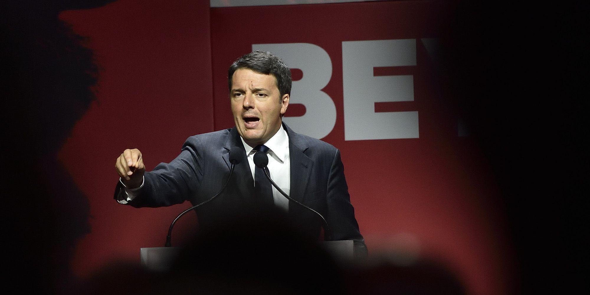 Direzione Pd Matteo Renzi vuole scaricare le responsabilità sulla minoranza. Bersani&co sul piede di guerra - L'Huffington Post