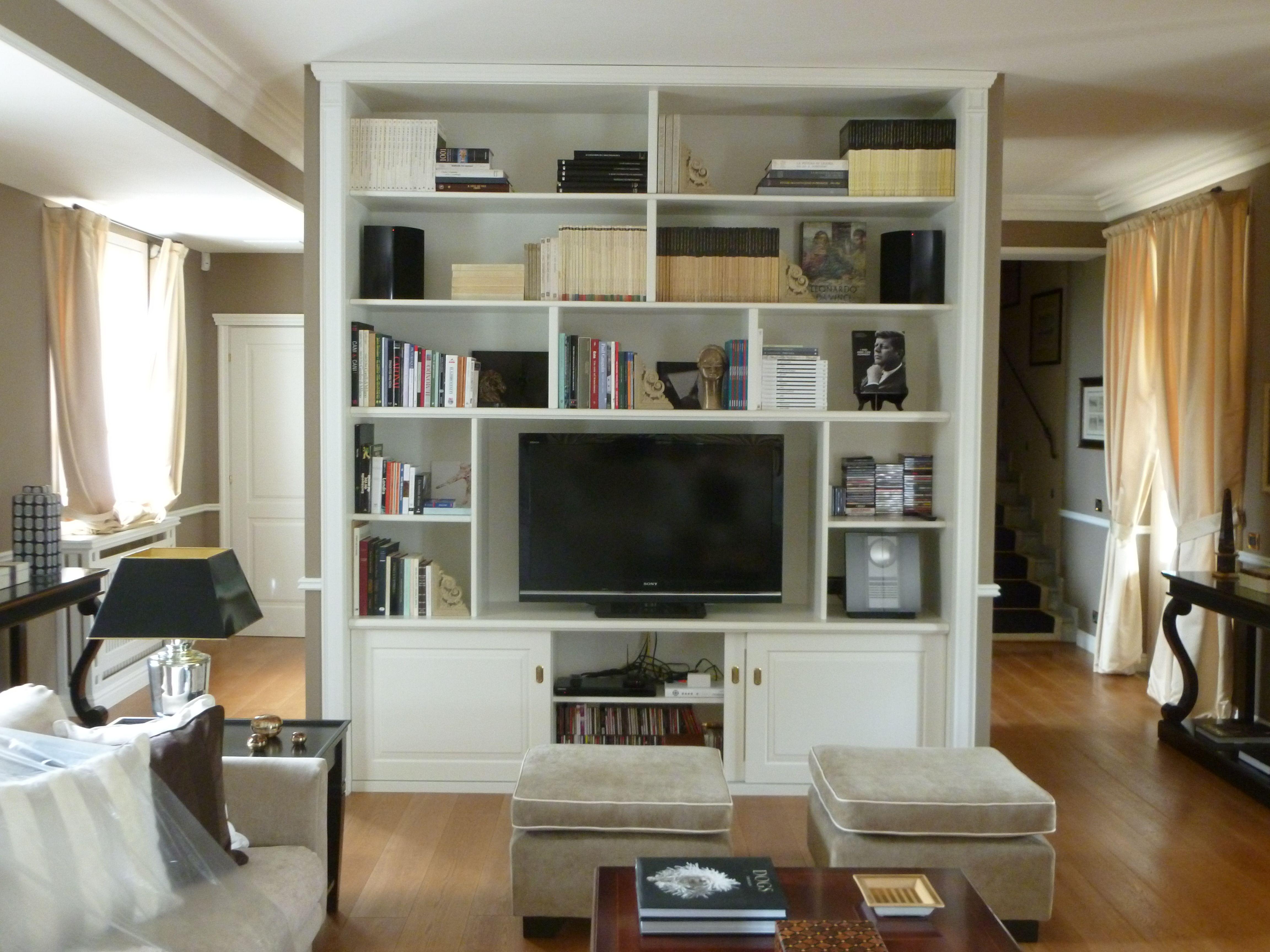 Parete Divisoria Con Porta Scorrevole parete divisoria salotto porta tv libreria con antine