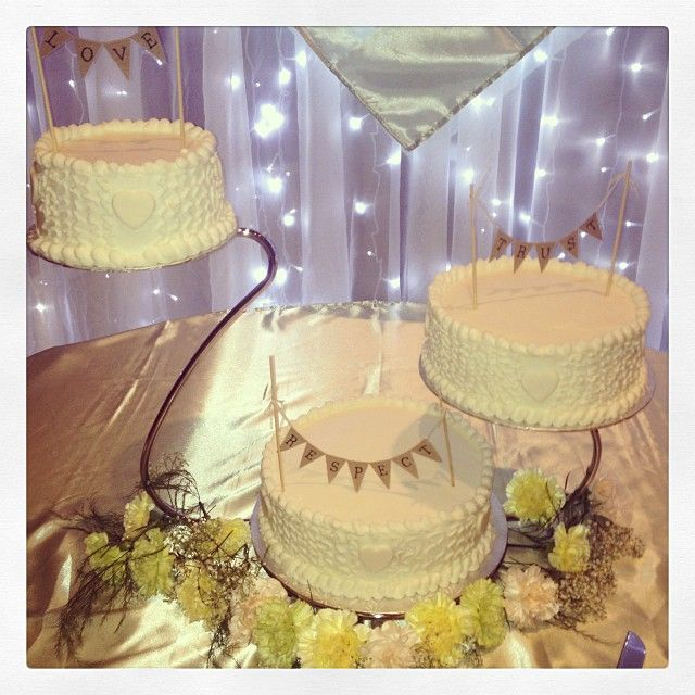 Swan Cake Stand With Banners My Beautiful Wedding