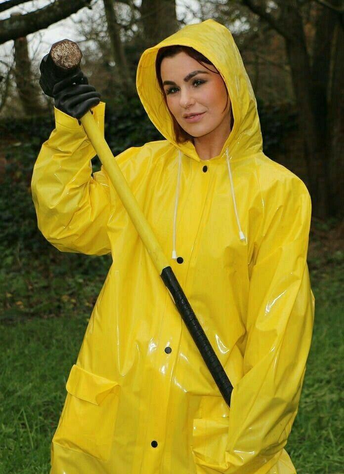 pingl par larry stevensw sur things to wear raincoat. Black Bedroom Furniture Sets. Home Design Ideas