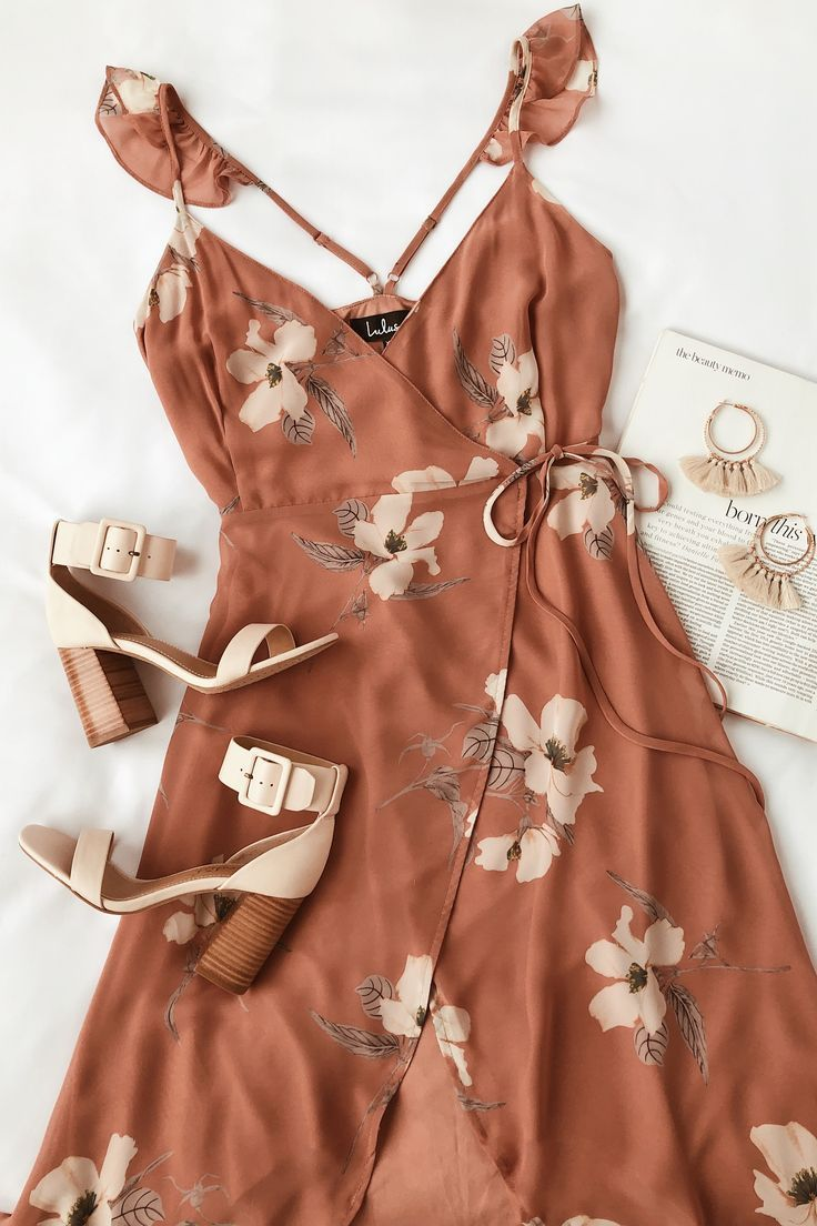 Pretty rusty rose wrap dress for the perfect wedding guest look. We are loving l…