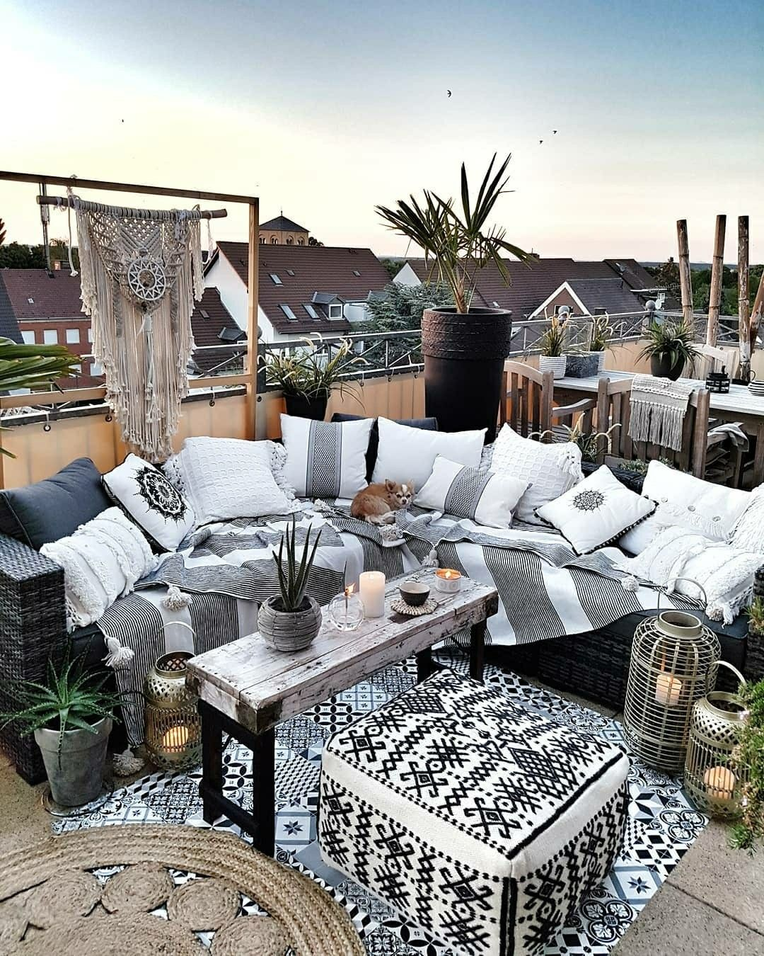 Pin by Amber Hsu on Balcony | Outdoor living decor, Boho ... on Amber Outdoor Living id=39850