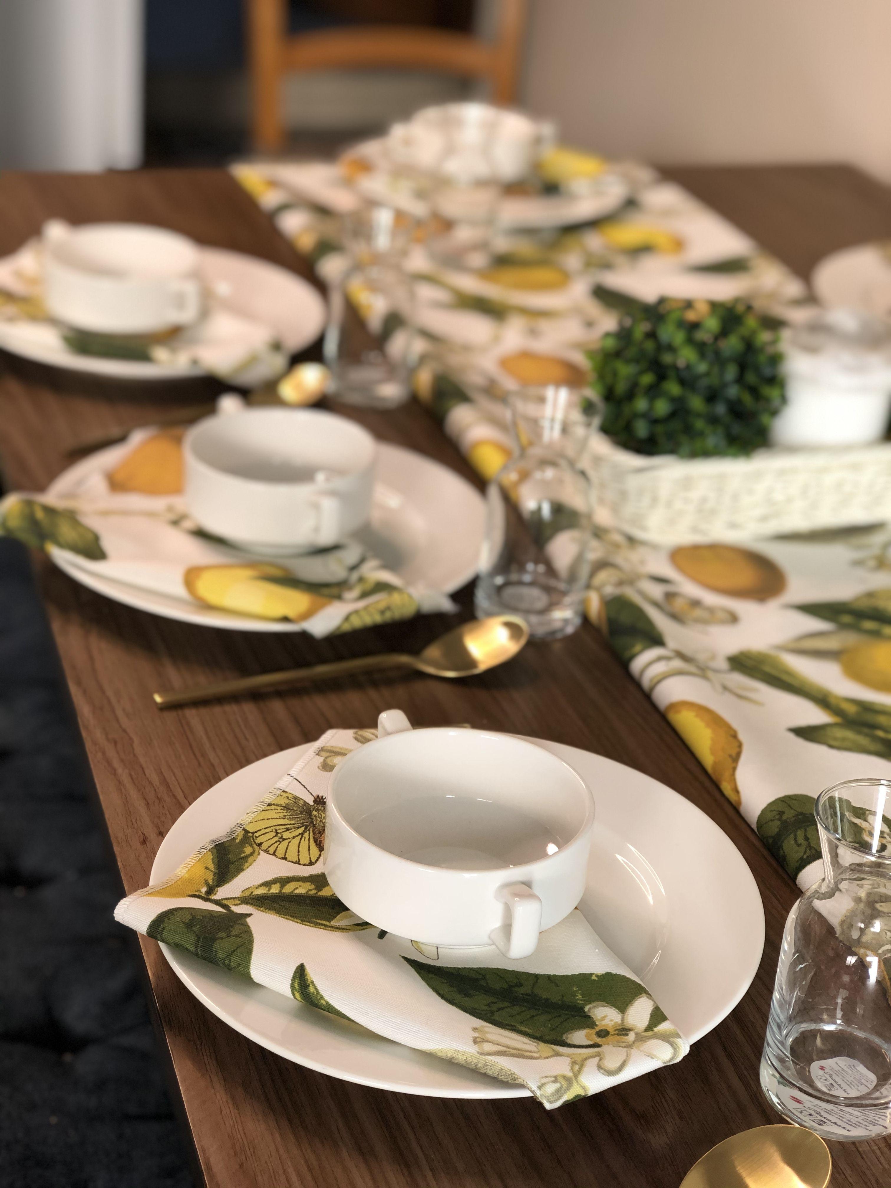 تنسيق طاولات طعام Table Settings Table Horse Art