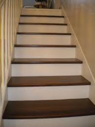 classique et simple contre marches blanches marches bois fonc escaliers pinterest marche. Black Bedroom Furniture Sets. Home Design Ideas