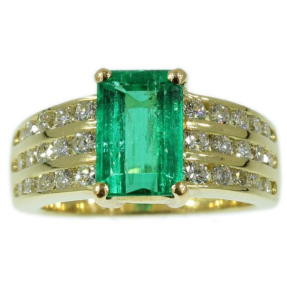 Kutchinsky emerald ring yellow gold by adinantiquejewellery