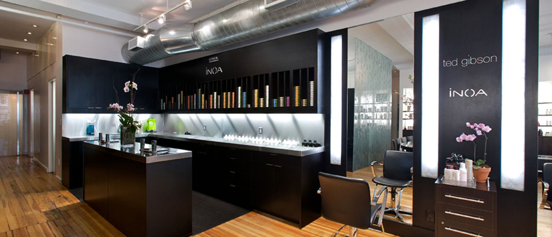 Salon Style New Yorkais a minimalist space for men and women to escape the rush of