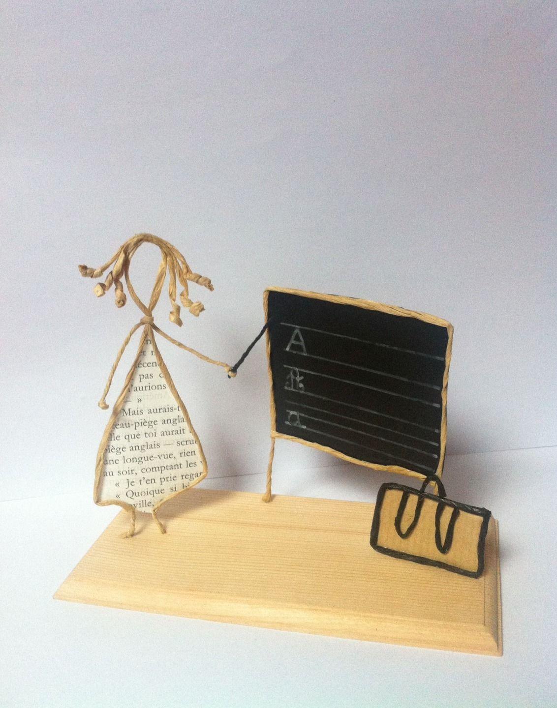 sculptures en papier fil kraft arm sur support en bois po sie de papier pinterest fil de. Black Bedroom Furniture Sets. Home Design Ideas