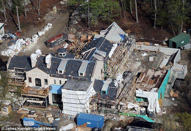 Gisele Bundchen And Tom Brady 39 S New Boston Mansion Takes Shape