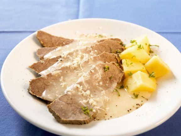 Tafelspitz mit Meerrettichsoße und Kartoffeln ist ein Rezept mit frischen Zutaten aus der Kategorie Rind. Probieren Sie dieses und weitere Rezepte von EAT SMARTER!