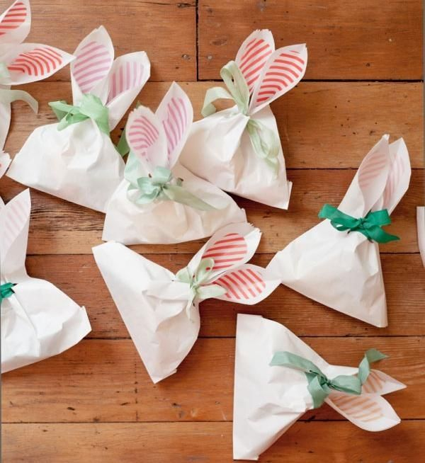 Osterhasen tten papier deko ideen ostern frhling basteln mit bunny ear bags diy via oh happy day easter ideas for the cousins negle Images