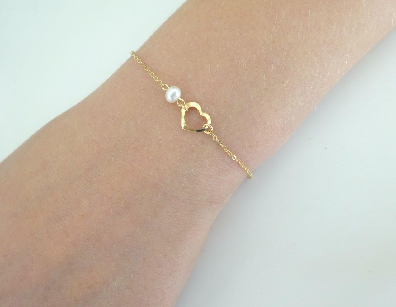 Dainty heart bracelet gold filled bracelet with freshwater pearl