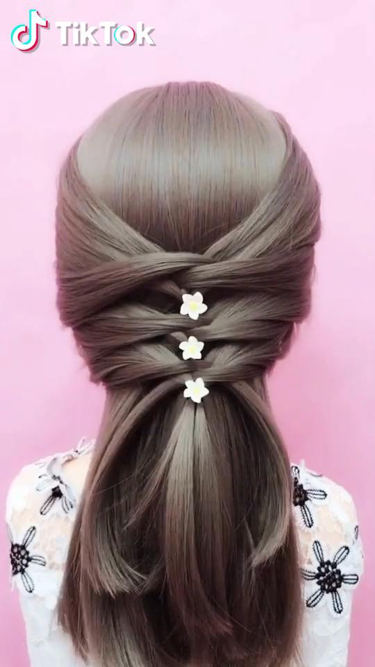 Tiktok Watch Funny Short Videos Super Easy To Try A New Hairstyle Download Tiktok Today To Find More Ama In 2020 Frisur Hochzeit Hochzeitsfrisuren Haar Styling