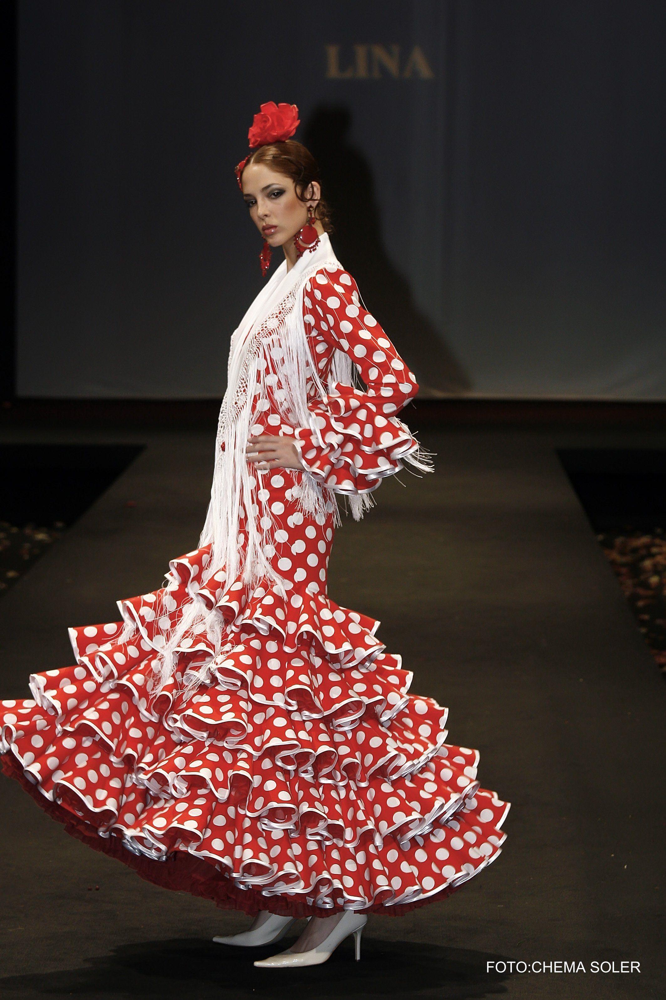 0a790eaaa4 traje de gitana rojo con #lunares en blanco. | FLAMENCO FASHION in ...