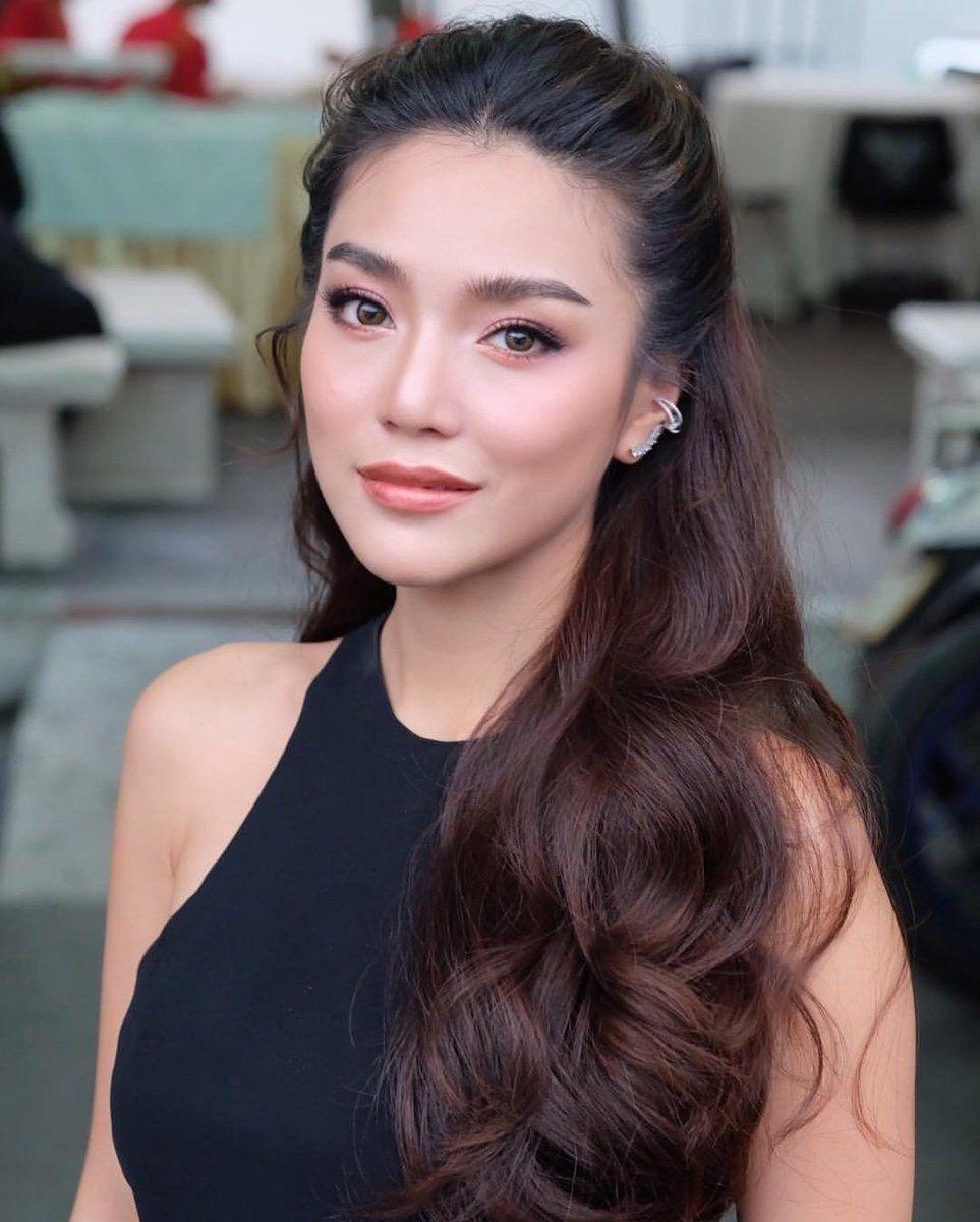 Look At Asian Women S Makeup To Inspire 07 Glamisse Com Bridal Makeup Natural Hair Makeup Asian Makeup