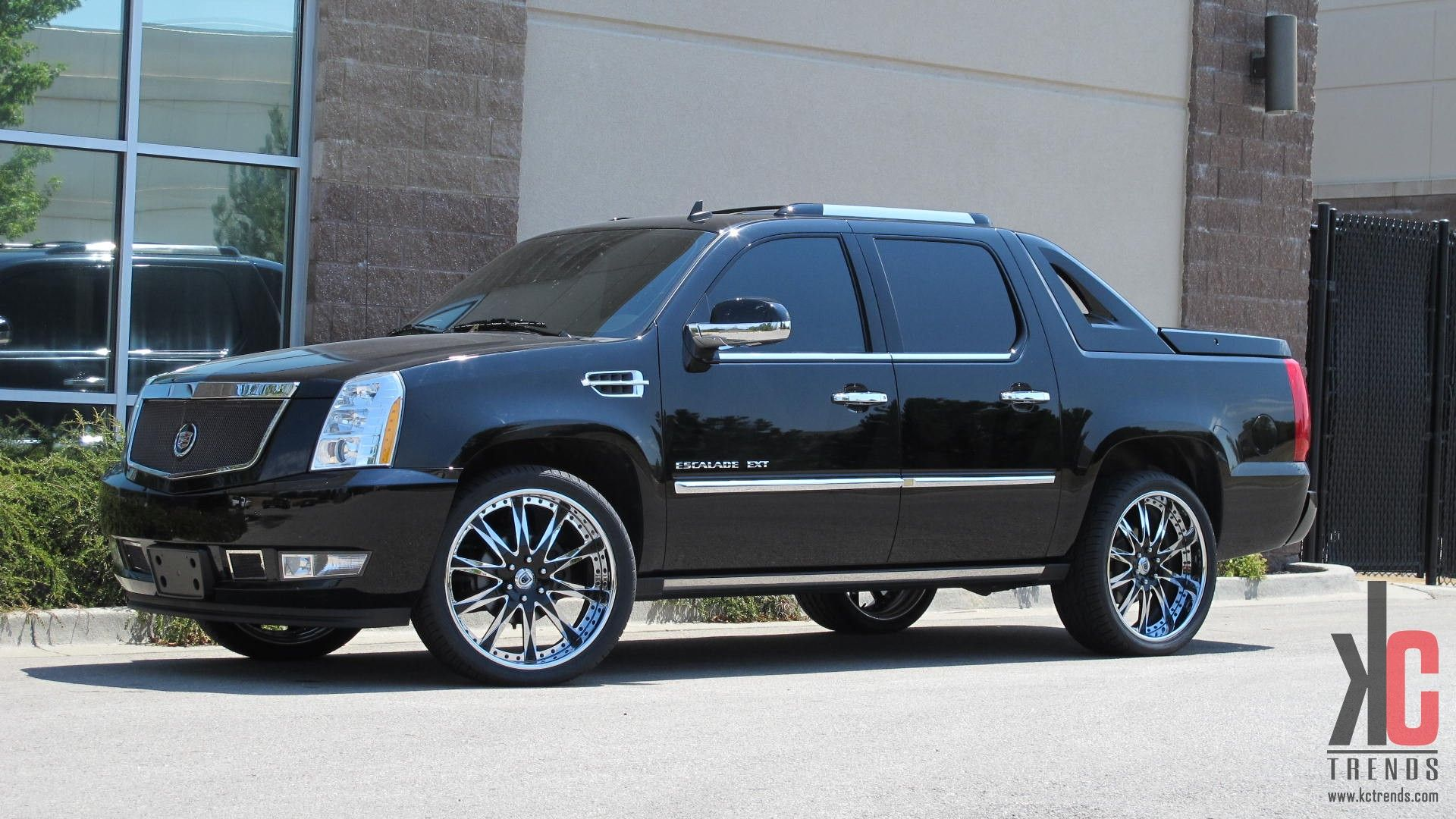 Custom cadillac escalade ext on rims
