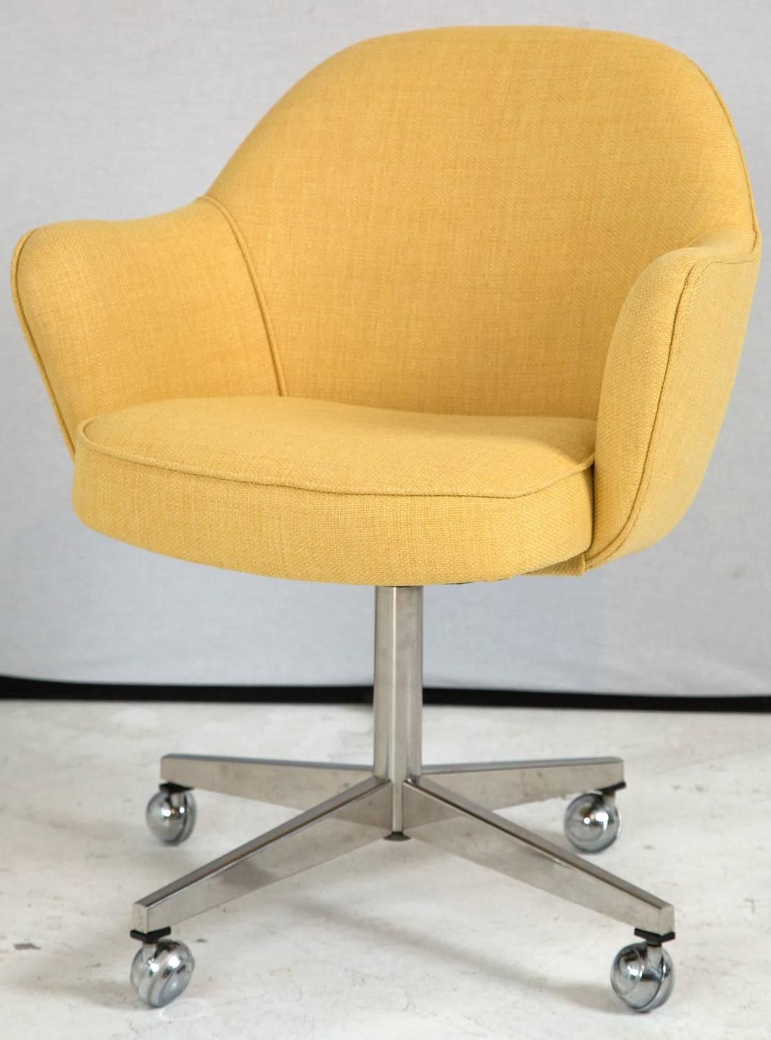 Knoll Desk Chair In Yellow Microfiber 3 Sillas De Escritorio