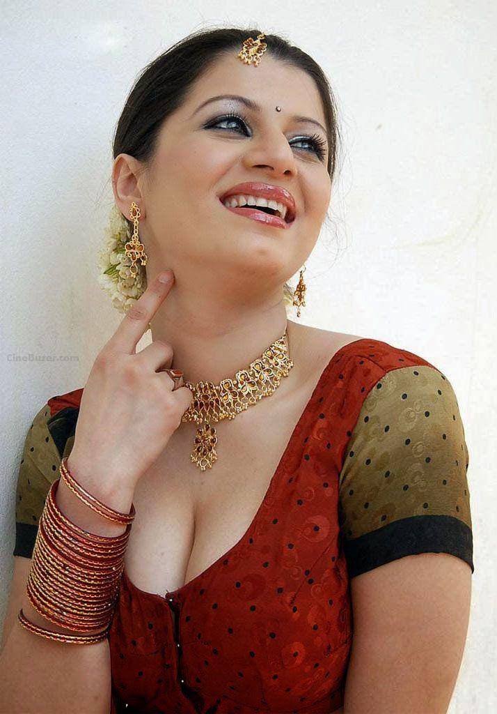 Kainaat Arora #follow #Bollywood #IndianActress #Unomatch