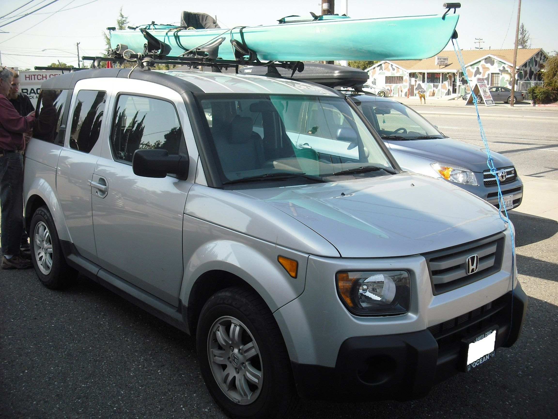 Honda Element With A Yakima Landing Pad Setup And Kayak Rack