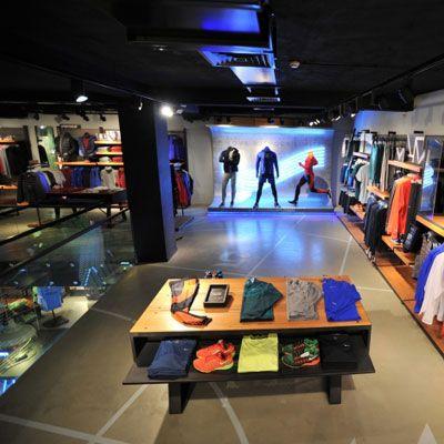 Ý tưởng thiết kế shop thời trang thể thao Nike ấn tượng