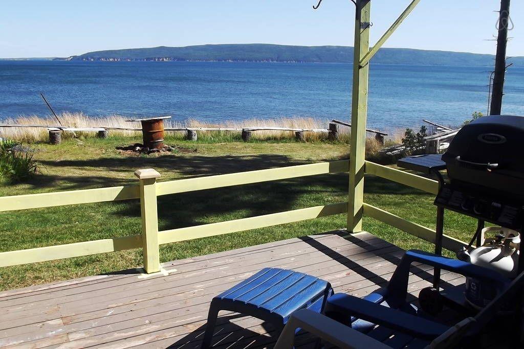 Cabin in North Shore, Canada. Very Private,brand new ocean