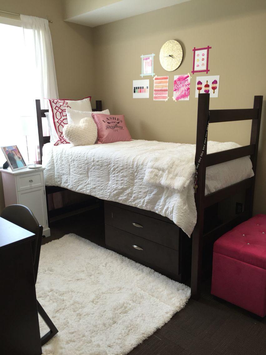university of alabama dorm room in presidential 2 rugs in bedroom