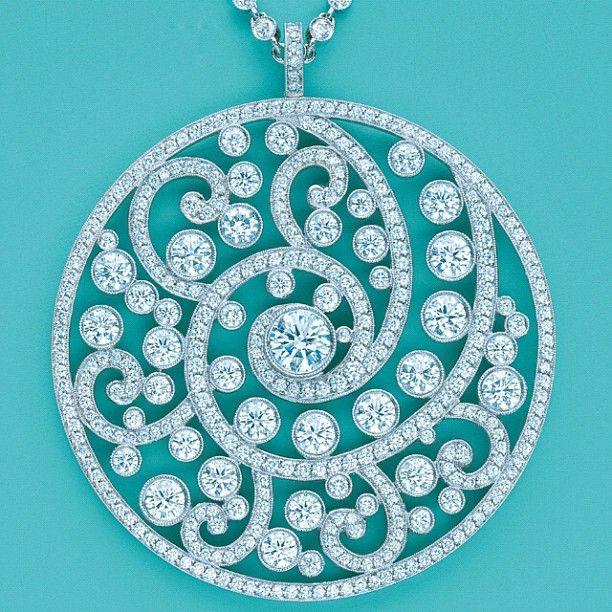 So Beautiful! Love the swirl design.