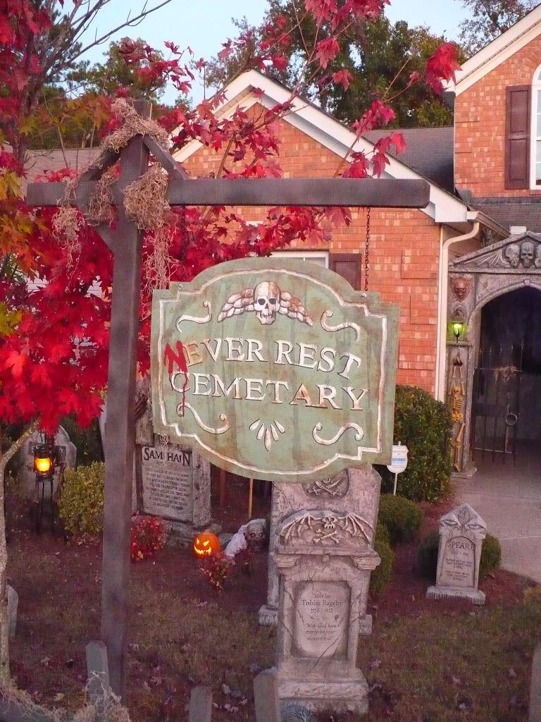 My Graveyard 2011 - HauntForum - by stoic_clown Halloween - halloween decoration ideas for yard