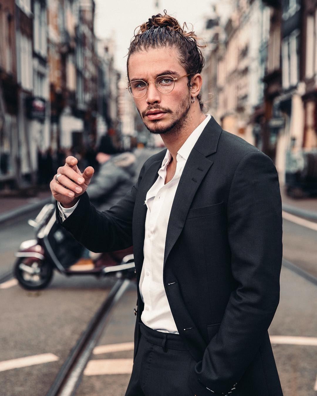 Giarogiarratana Curly Hair Inspiration Men With Curly Hair Curly Hair For Men Long Curly Long Curly Hair Men Man Bun Curly Hair Long Hair Styles Men