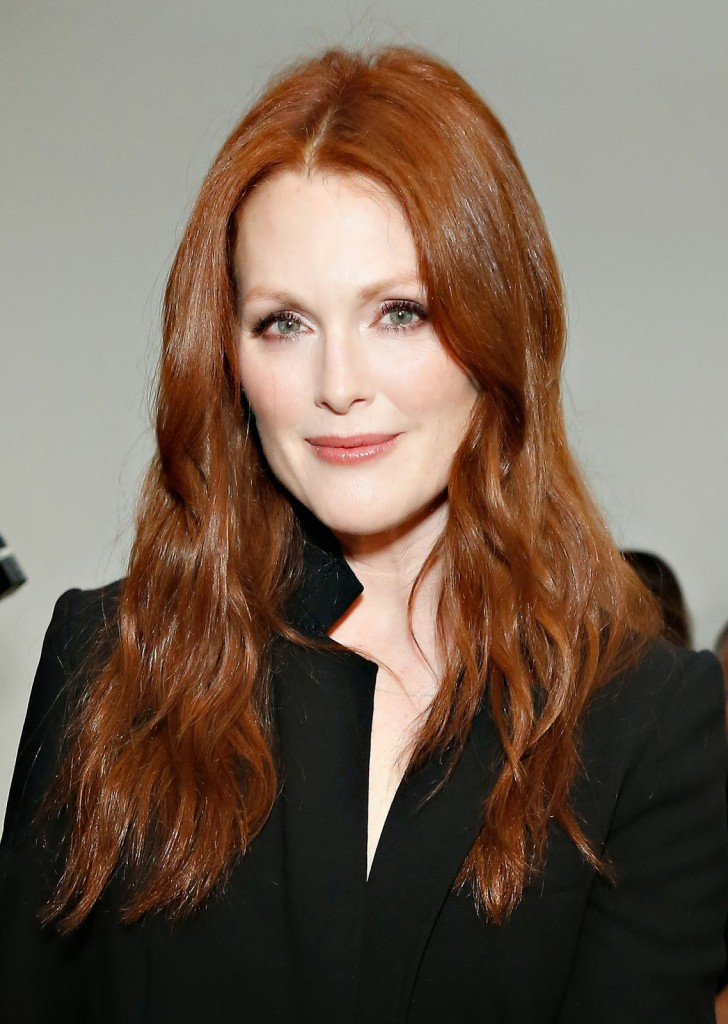 Why Do Older Women Have Short Hair That S Not My Age In 2020 Short Hair Styles Hair Looks Julianne Moore
