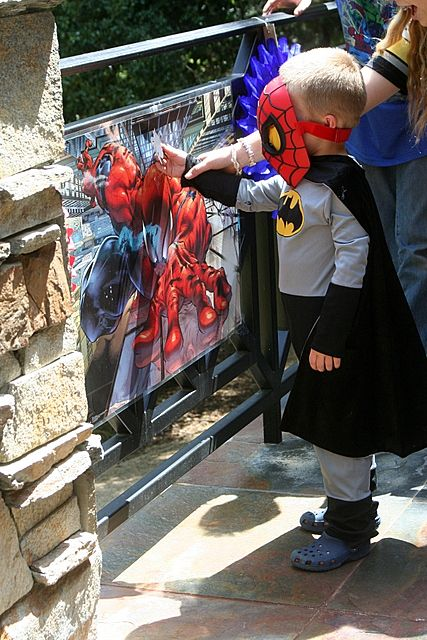 Party Wishes: Superhero Party pin the spider on spiderman