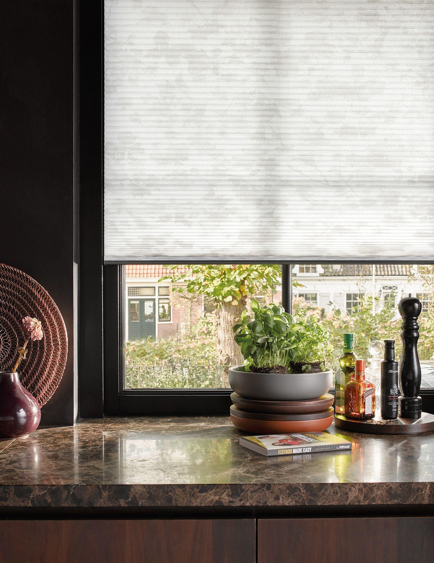 Duette® Shades - Perfecte regeling van warmte en licht, het hele ...
