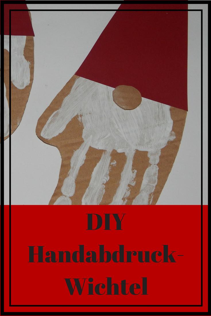 Weihnachts wichtel diy handabdruck weihnachten christmas handprint kids craft crafting basteln mit kindern #handabdruckweihnachten