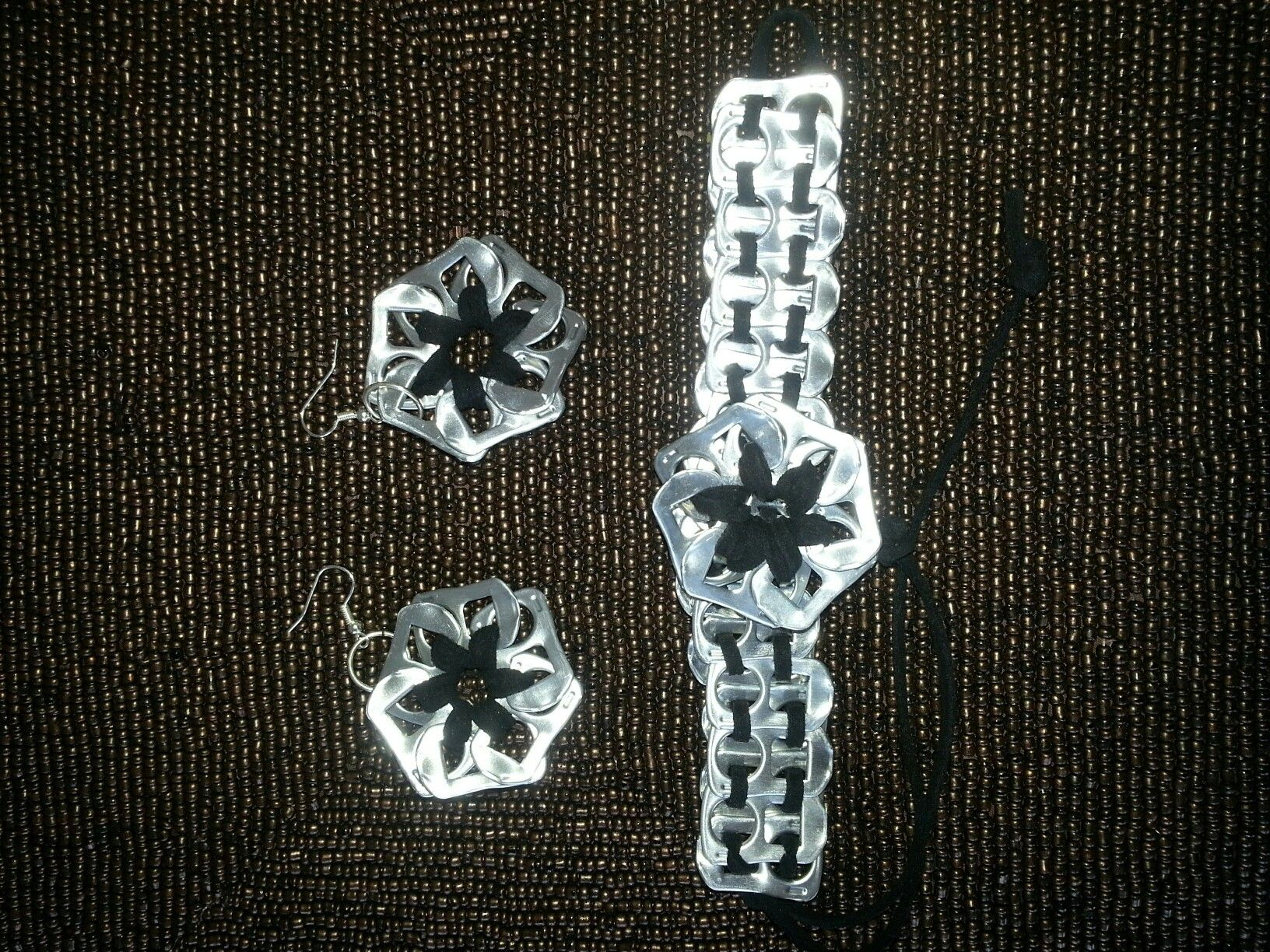 Pop can tab bracelet and earrings
