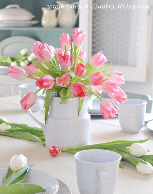Tulip Flower Arrangements Ideas For Spring Living Room