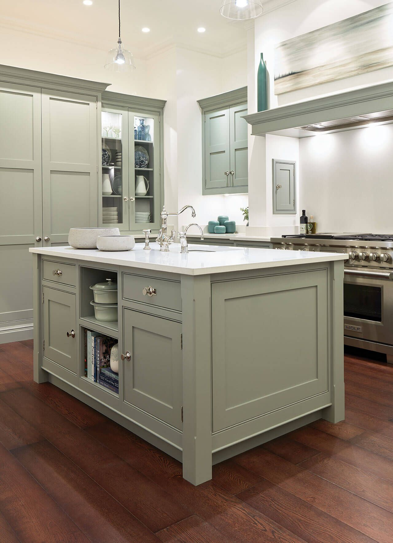 Hand Painted Shaker Kitchen In 2019 Tom Howley Hand Painted Shaker Shaker Kitchen Kitchen Interior Shaker Style Kitchens