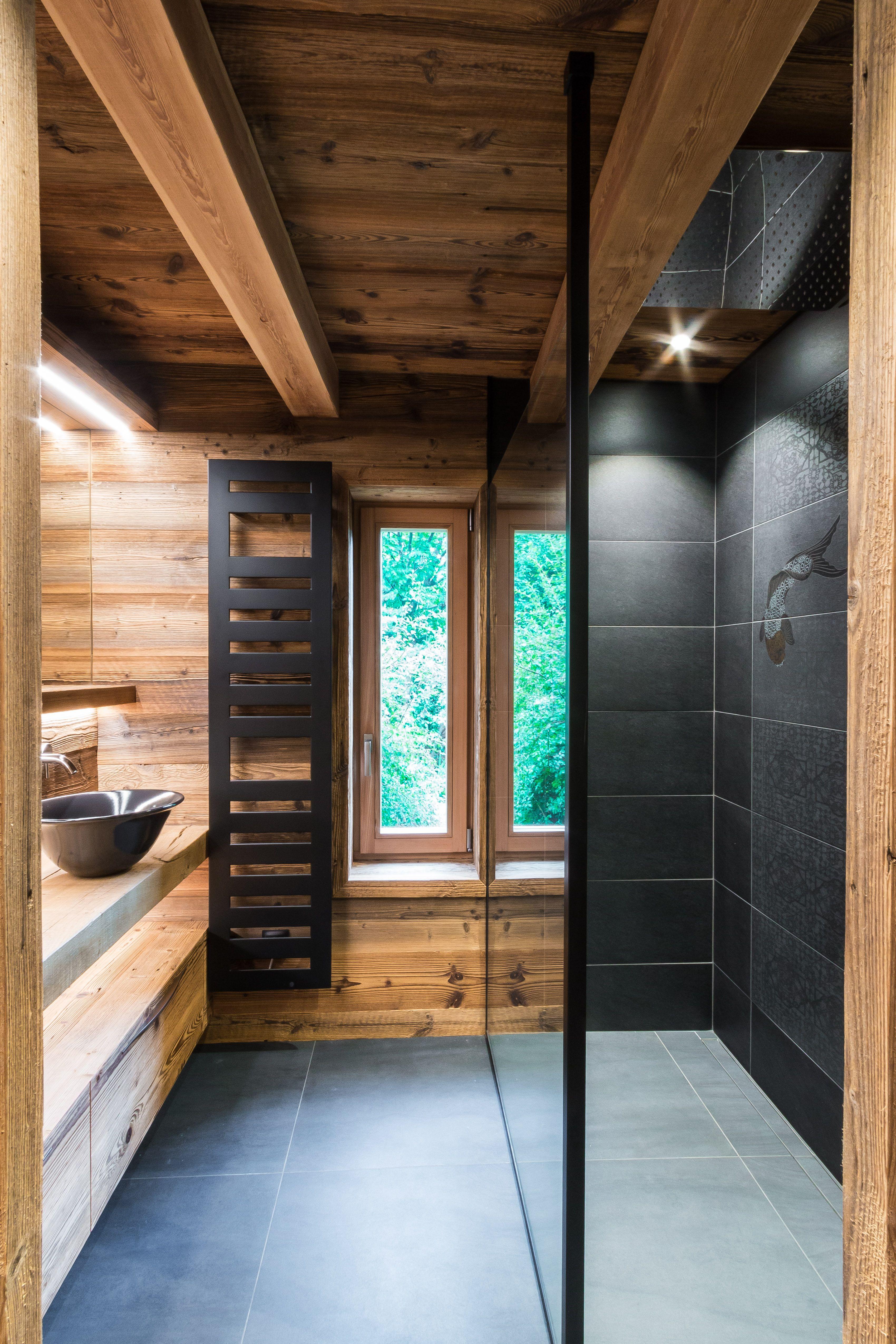 Salle De Bain Chalet réalisation d'une salle de bain en bois composée d'une