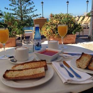 Desayuno en la terraza