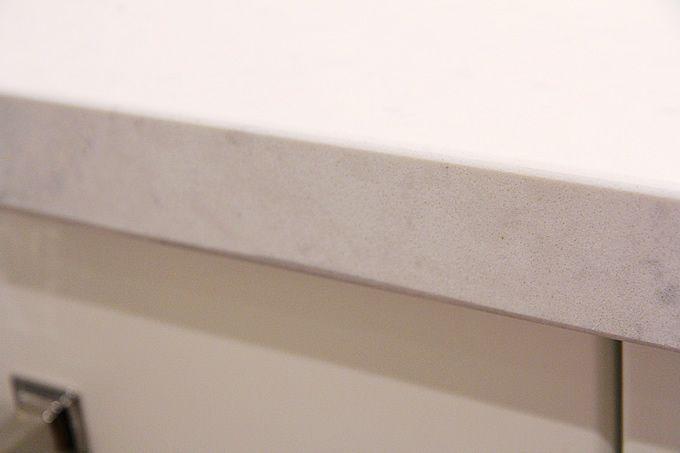 Quartz counter get a mitre edge so you don 39 t see a seam for Seamless quartz countertops