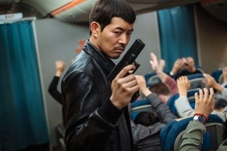 Lee Sang Yoon Makes Big Transformation Into Villain For New Action Comedy Film