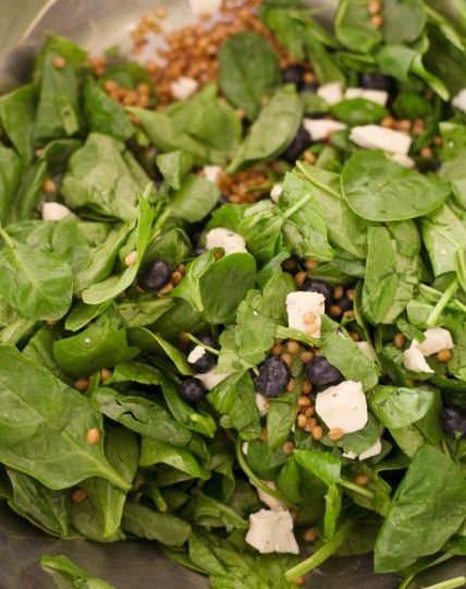 Wheat Berry Spinach Salad with Ginger Ale Vinaigrette, Wholeliving.com #lunchbunch