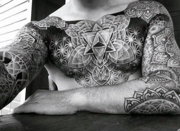 60 geometrische brust tattoos f r m nner oberk rper. Black Bedroom Furniture Sets. Home Design Ideas